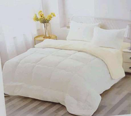 Woollen duvet plain colour with 1bedsheet n 2pillowcases 6 by 6 image 1
