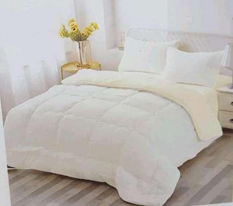 Woollen duvet plain colour with 1bedsheet n 2pillowcases 6 by 6