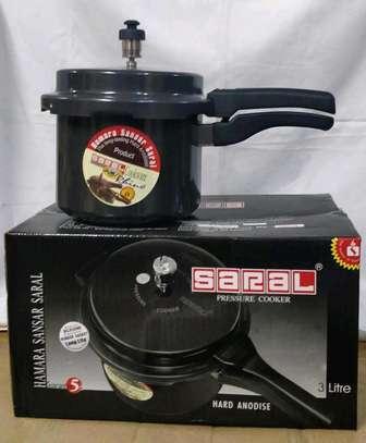 Non-stick pressure cooker 3ltrs image 1
