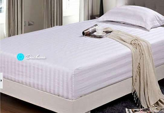 6*6 white striped bed sheets image 1