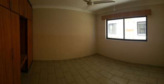 3br penthouse apartment for rent in old Nyali. Id 2105 image 7