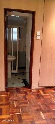1 bedroom house for rent in Kileleshwa image 13