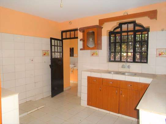 4 bedroom townhouse for rent in Ngong image 5