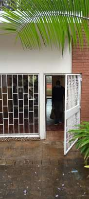 Comfortable uptown town house 3 Bedroom with DSQ, in the heart of Upperhill image 2