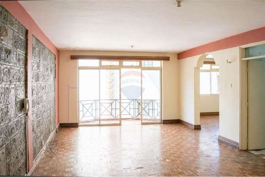 Stunningly Beautiful  3 Bedrooms Apartments In Brookside drive image 1