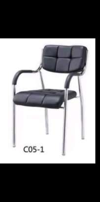 Leather padded waiting chair Z32A image 1