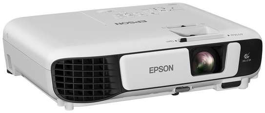 Epson EB-S41 Projector, SVGA with 3300Lumens image 1