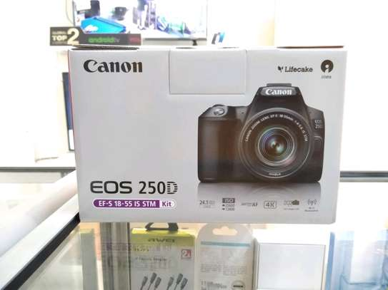 Canon EOS 250D + Free printer brand new and sealed in a shop.