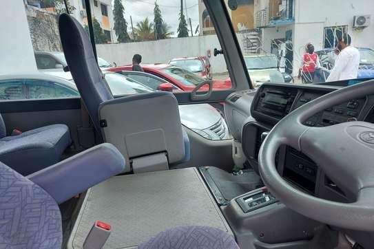 Toyota Coaster image 4