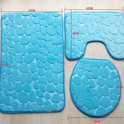 ATI-SLIPPERY BATHROOM MATS image 4