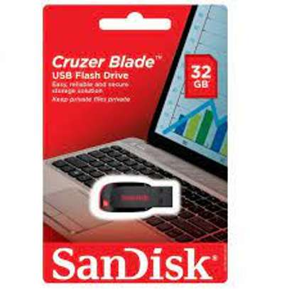 32gb sandisk flash disk available image 1
