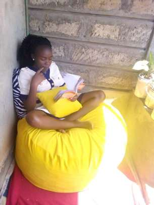 Beanbags and floor pillows image 2