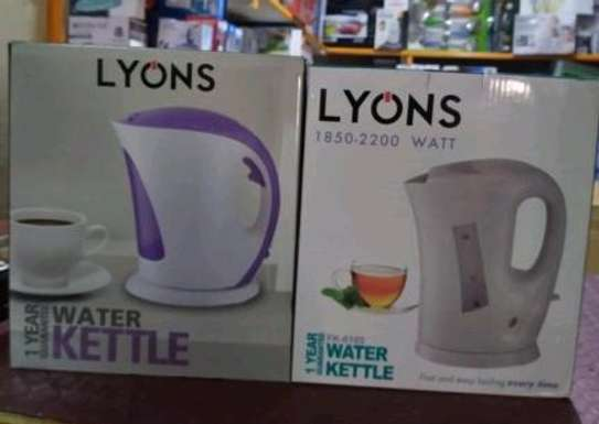 Lyons1. 7litre automatickettle image 1