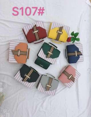 BEAUTIFUL CLASSY HAND BAG image 2