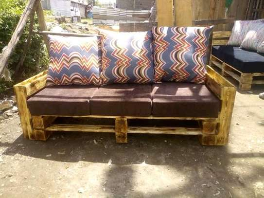 Simple Beautiful Modern 3 Seater Outdoor Pallet Sofa image 1