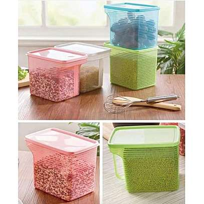 Coloured cereals container