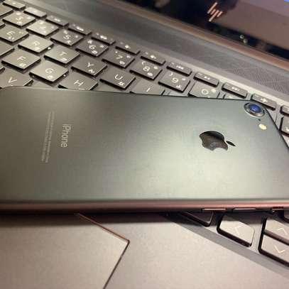 Apple iPhone 7 128GB image 2