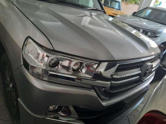 Toyota Land Cruiser Sahara image 4