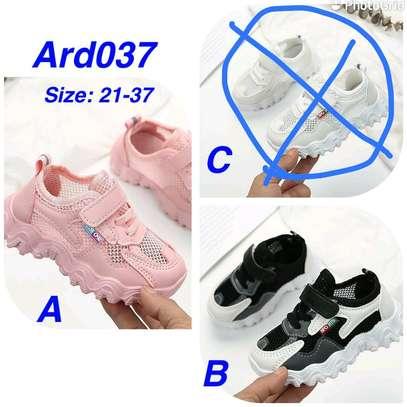 Kids sporty shoe image 1