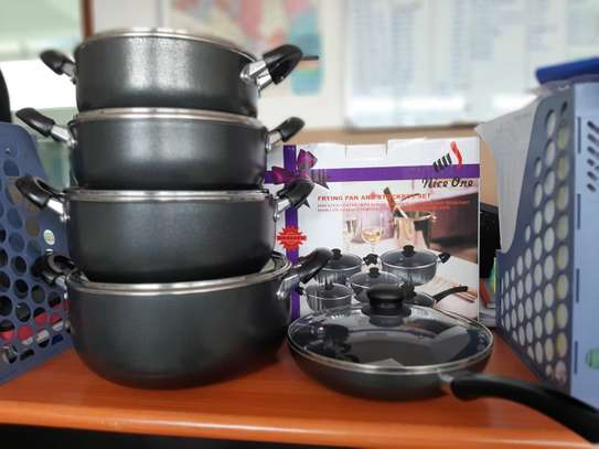 4pcs Non-stick Pots and 1 PC frying  pan