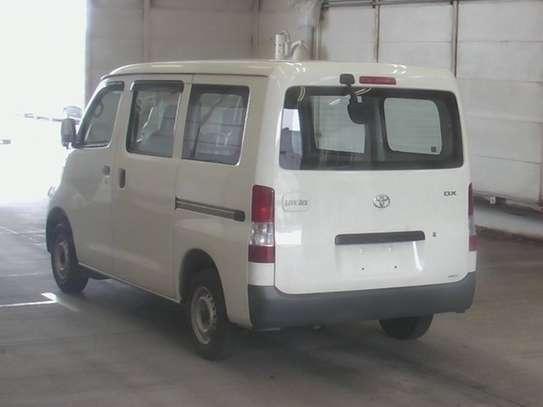 Toyota Lite-Ace image 2