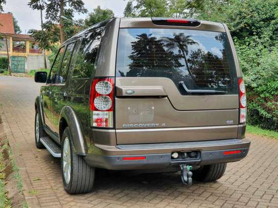 Land Rover Discovery IV image 3