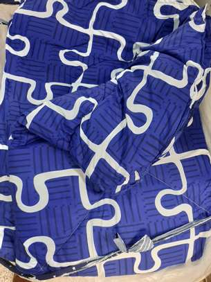 ASSORTED DUVETS image 3