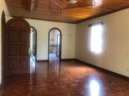 6 bedroom house for rent in Gigiri image 2