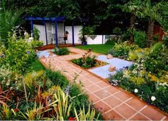 Garden Maintenance, Water Features, Potted Plants & Landscaping Services