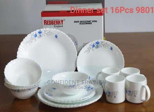 16pc Dinner Set Plates image 1