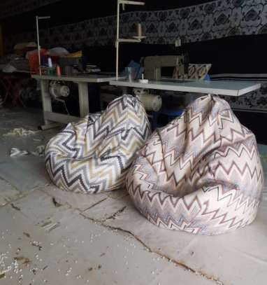 Giant /XL Bean bags filled with bobmil fibre and chips image 3