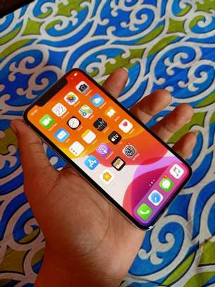 Apple Iphone x silver [ 256 Gigabytes ] With Charging Pad image 2