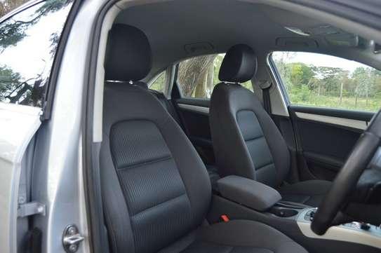 Audi A4 2.0T Premium Quattro Automatic image 9