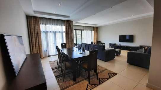 Furnished 3 bedroom apartment for rent in Riverside image 3