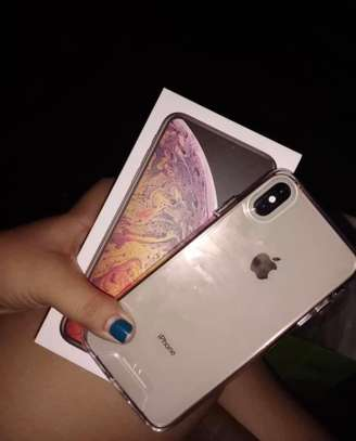 Iphone xs max *Gold* image 2