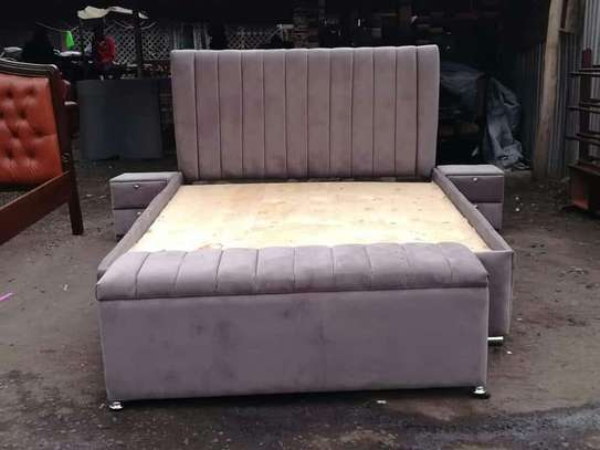 Modern Beds image 4
