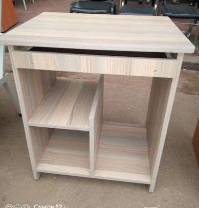 Computer table 4.5 utc image 2