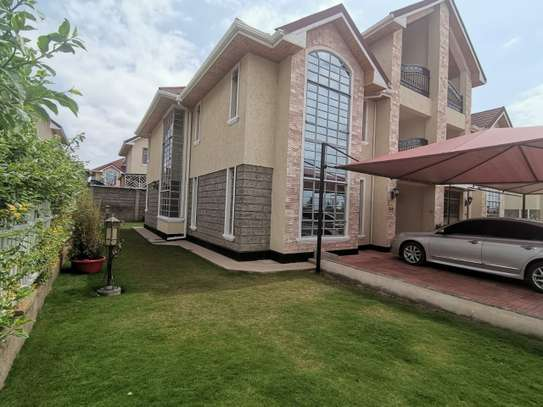 AN EXECUTIVE 5 BEDROOMS TOWNHOUSE WITH DSQ image 6