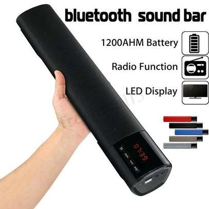 Wireless speaker with bluetooth radio and USB port image 1