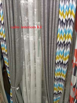 CURTAINS TOGETHER WITH BLINDS image 1