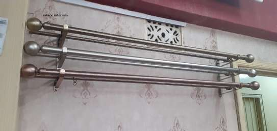Flower-ended- curtain rods image 1