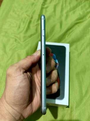 APPLE IPHONE 6S PLUS 128 Gigabytes Black Plus Airpods image 5