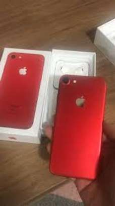 IPHONE 7 128 GB RED EDITION image 3