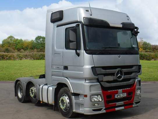 Mercedes-Benz Actros image 1