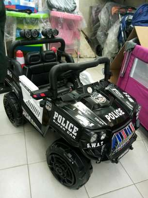 Battery operated police car 30.0 tc image 4