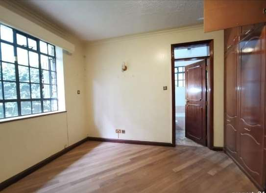 5 bedroom house for rent in Nyari image 5