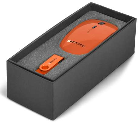 On The Desk Gift Set Branded (mouse and USB Drive)