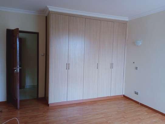 3 bedroom apartment for rent in Kileleshwa image 6