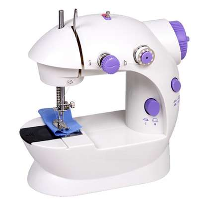 sewing machine image 1