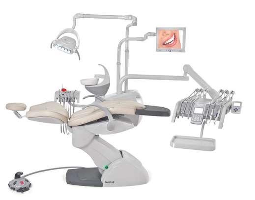 Syncrus HLX dental chair image 1